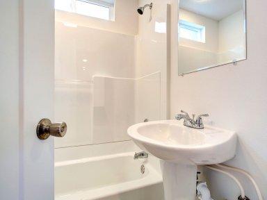 Выбираем дверь для ванной